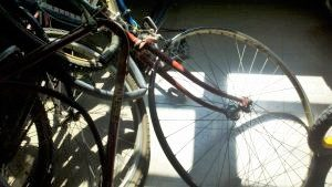 Bikes-with-shadow-cross-300x169 (2)